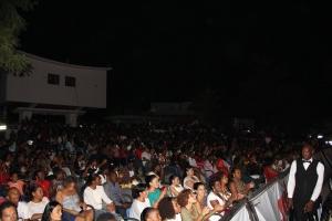 Raça Negra e Yola Semedo no Cine Kalunga Benguela. Bruno Space Painel de Debates. Foto por Hill do Foto o fotografo da noite e das celebridades